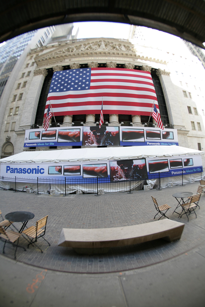"Panasonic promotes 103"" Plasma TV at the NYSE"
